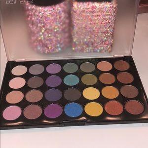 Bnib Bh Cosmetics Foil Eyes 28 Color Eyeshadow